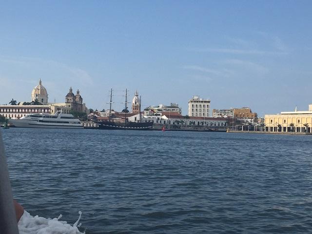 Entrada da cidade murada pelo mar